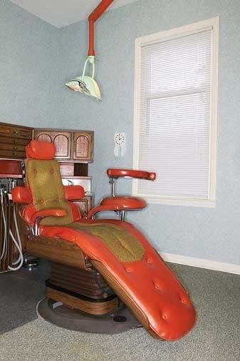 retro dental exam room