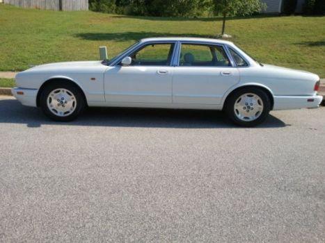 Editor's Jaguar XJ-V8-LWB touring sedan