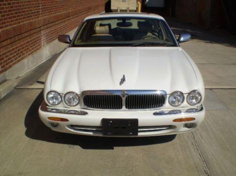 Classic XJ-V8-WB Jaguar